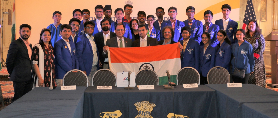 Sandeep Chakravorty, Consul General, held a Round Table interaction with the Team India Student Delegation, comprising of 25 school children accompanied by officials from Department of Science and Technology, Govt of India, Indo-US Science & Technology Forum and Intel on May 21, 2018 at the Consulate. The students had participated in the International Science and Engineering Fair (ISEF) 2018 held during May 13-18 2018 at Pittsburgh, Pennsylvania and won many special awards
